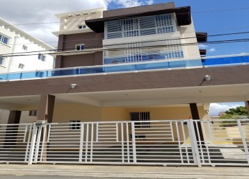 🏢🌴🏢*Apartamento listo para mudarse a pocos metros de la Aut. San Isidro*🏢🌴🏢